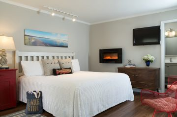SilverBirches-Rooms-Lakeshore-DeluxeKing-4web